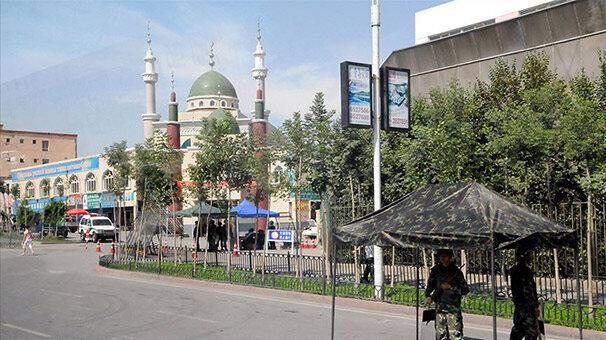 'Çin Uygur camilerini yıkıyor'