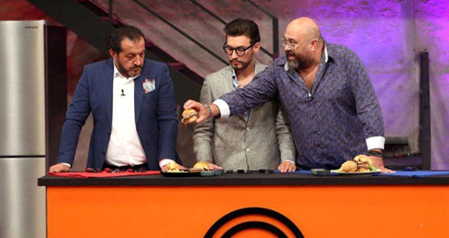 MasterChef jüri üyeleri, iki takımın yemeğini beğenmeyince yarışmacılara ödül vermedi