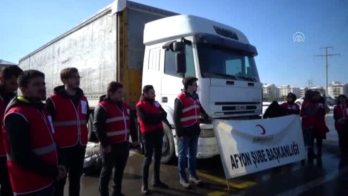 Suriye'ye bir tır un gönderildi